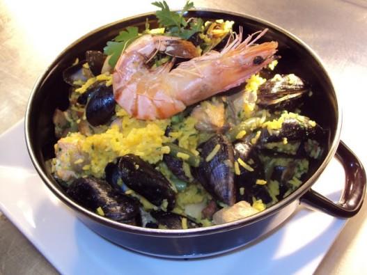 Paella de marisco or Seafood paella